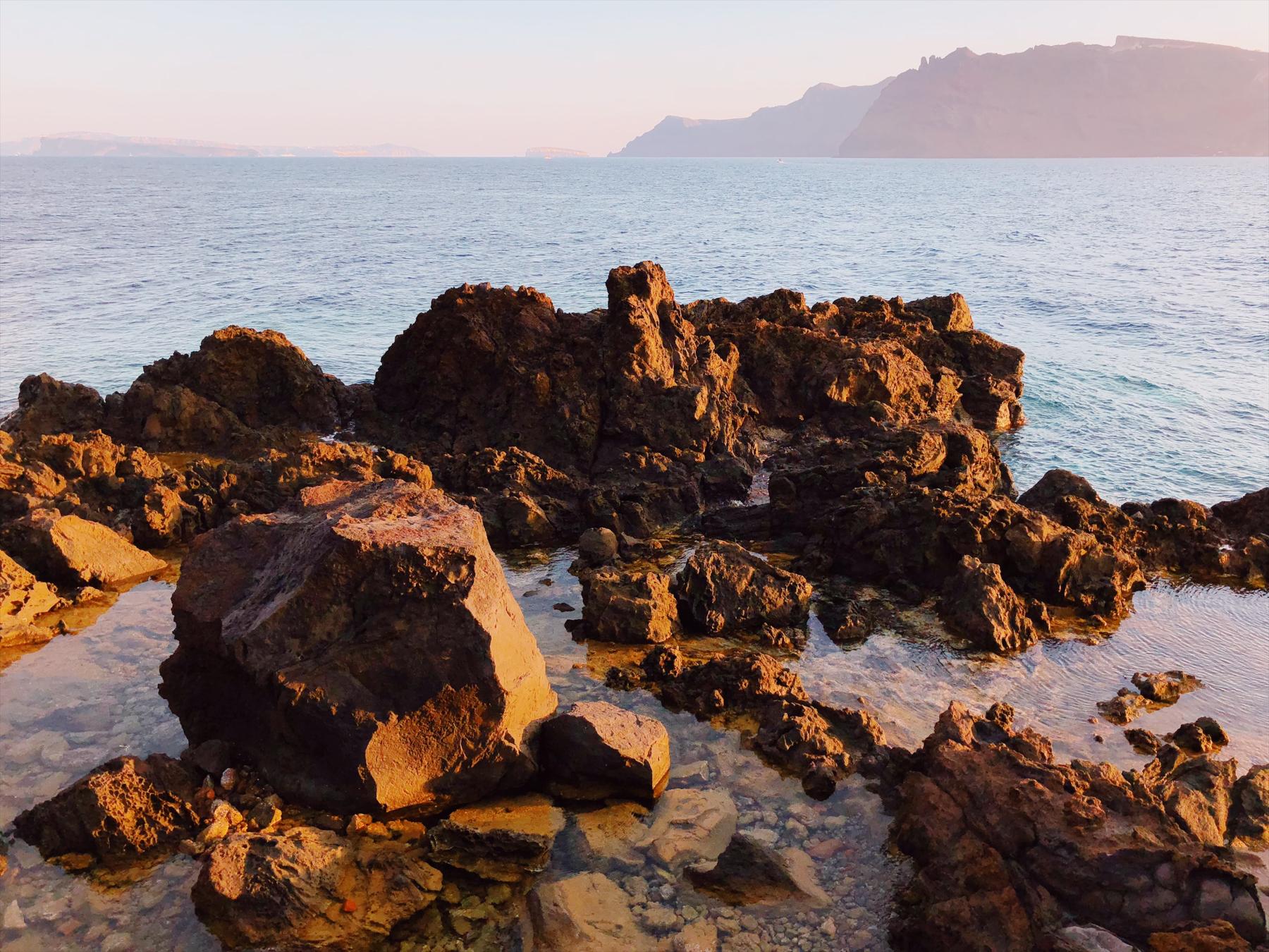 Exploring the coast around Amoudi Bay