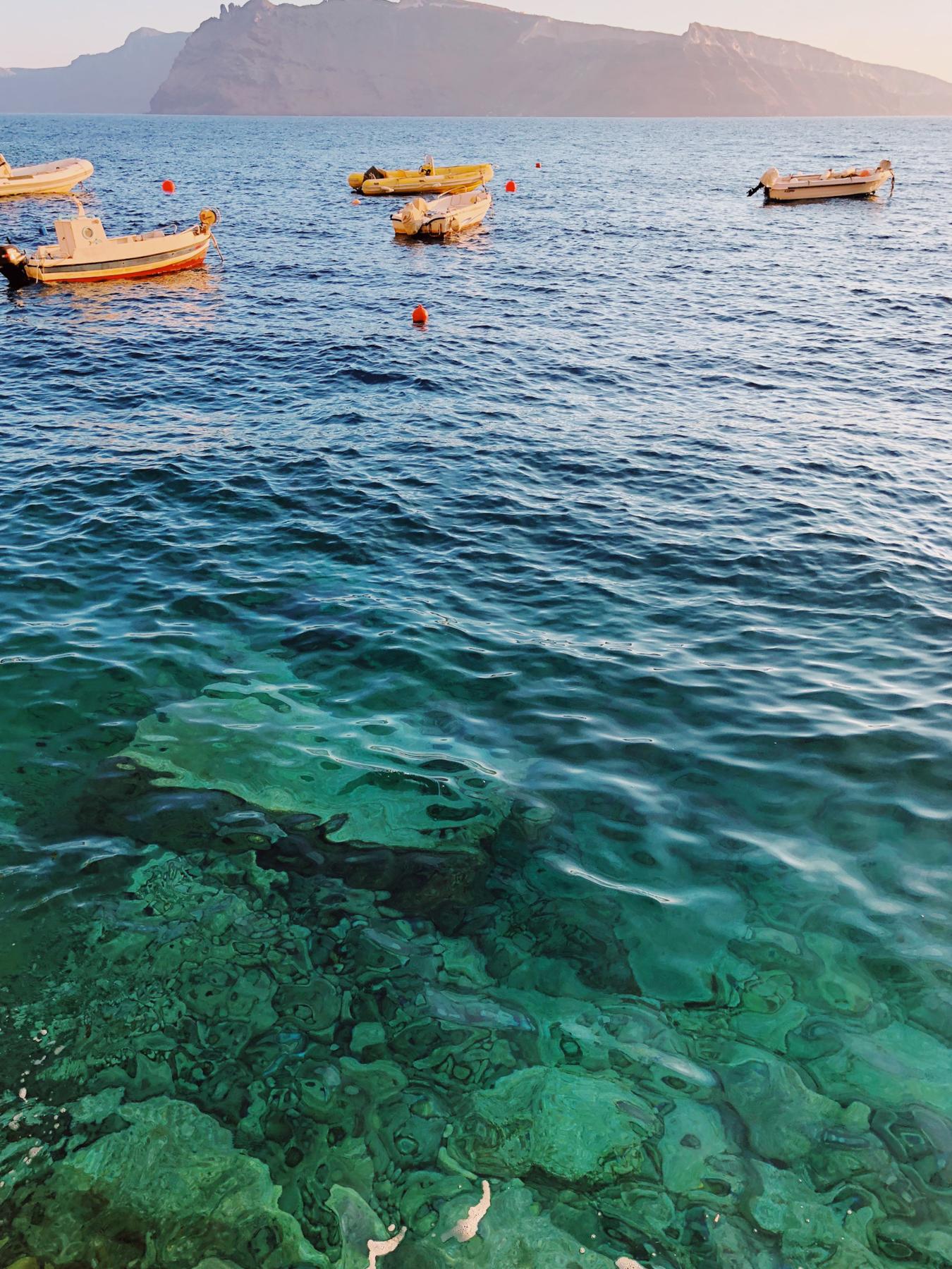 Amoudi Bay water