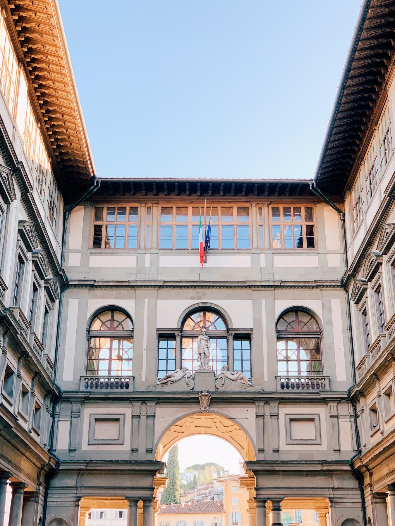 Piazzale delgi Uffizi