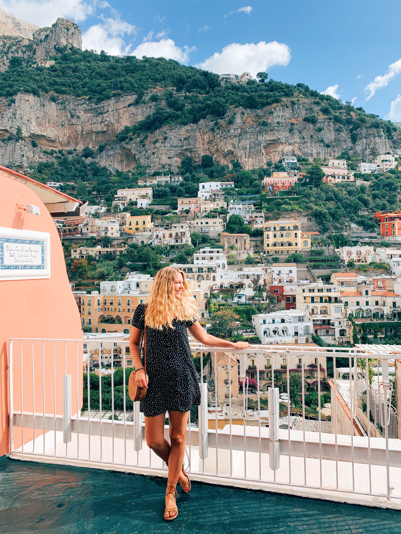 One of the many lookouts, close to Cafe Positano